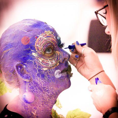 Chloe Coleman Using BARTSHARP 130 Airbrush
