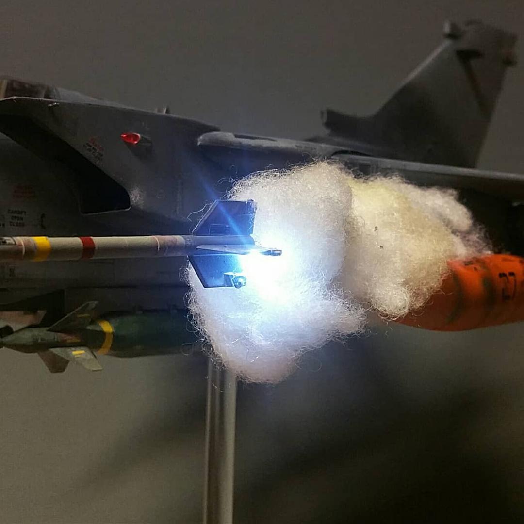 led lighting in scale model